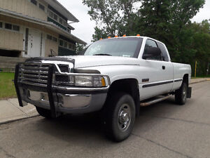 1998 Dodge Power Ram 2500 x-tend cab Pickup Truck