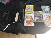Limited edition Black WII console with 5 games 2 controllers