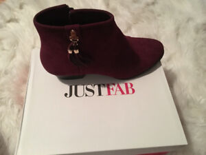 Burgundy ankle bootie