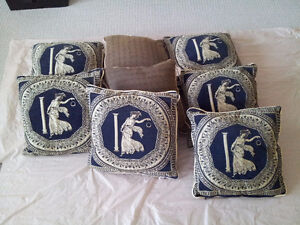 Set of 8 decorative accent pillows Brand new London Ontario image 3