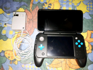 2ds xl + charger +handgrip + installed pokemon gold game