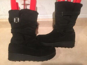 Women's Black Leather Winter Boots Size 9 London Ontario image 1