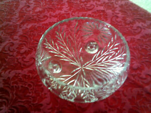 Crystal bowl with curved legs