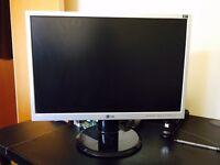 "LG 22"" Widescreen Monitor"