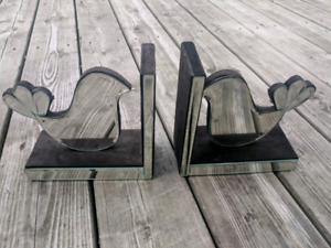 2 beautiful mirror bookends