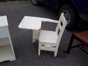 ANTIQUE CHILD SCHOOL DESK WITH DRAWER ONLY &27.00