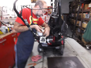 Experienced Service for all Honda Snowblowers Moose Jaw Regina Area image 7
