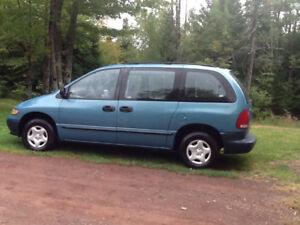 1997 Dodge Caravan Minivan, Van