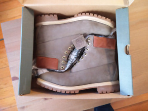 Timberland Premium 6 Inch men's winter boots (almost new)