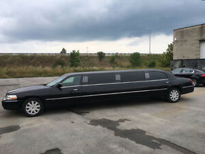 2005 Lincoln Town Car 10 Passenger Stretch Limousine