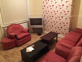2 Bedroom recently refurbished House To Rent on Pine St Nelson Bond Negotiable