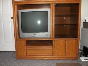 LARGE ENTERTAINMENT/DISPLAY UNIT WITH SANYO TELEVISION