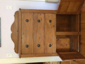 GORGEOUS Canadian cupboard, 1890s-1910