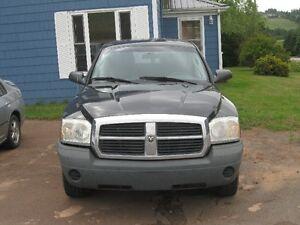 2005 Dodge Dakota Pickup Truck