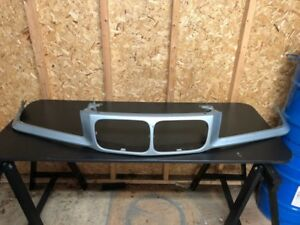 BMW E36 front kidney grill support