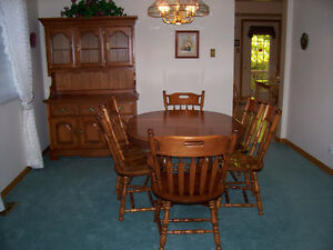 Dining Table, Chairs and Hutch. Solid Maple - NEW LOWER PRICE Kitchener / Waterloo Kitchener Area image 3