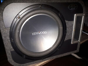 Subwoofer 12'' kenwood SBL box and D class 600w kenwood amp
