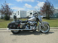 2007 Harley Davidson Road King Classic FLHRC - ONLY 17,000 km!!