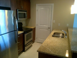 LUXURY LIVING IN HYDROSTONE MARKET - INCENTIVES FOR SENIORS!