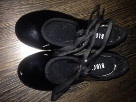 Bloch tap shoes younger girls size 8 and a half