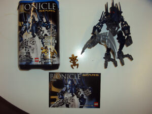 Bionicle: Piraka (complete with booklet and canister)