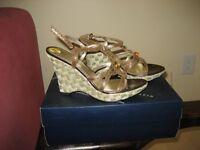 Anne Klein Shoes -- Size 7