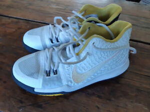 Kyrie 3 Basketball shoes size 6Y