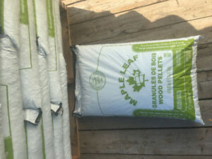 Wood pellets / hemlock lumber