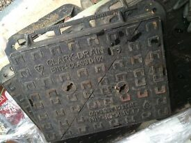 Manhole Cover & Frame C/O D400 Iron 100mm Double Triangle 600mm x 450mm NEW Clark Drain CD756KMD