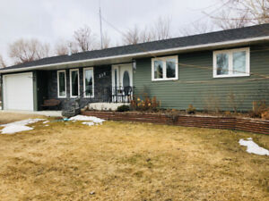 4 Bedroom Bungalow for sale in Roblin, MB!