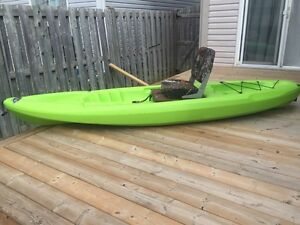 Pelican Boost 100 (10ft) kayak with custom seat w/ paddle