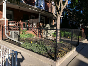 Chain Link Fence + Gate (43ft x 4ft)