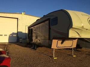 2011 30 Foot Evergreen Everlite fifth wheel