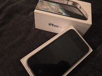 iPhone 4 16gb Vodafone with charger