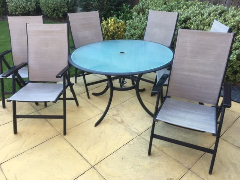 garden table and chairs for sale in leeds. garden table and 6 chairs. leeds chairs for sale in