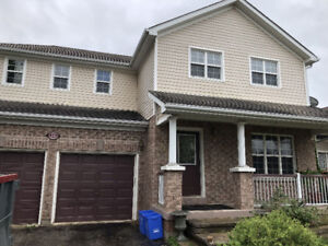 Detached Home in Popular 5th Line Subdivision - Angus