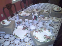 SET OF ROYAL DOULTON VINTAGE GRAPE EVERYDAY CHINA