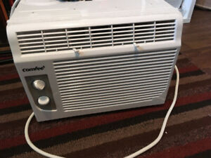 Comfee air conditioner; MOVING MUST SELL
