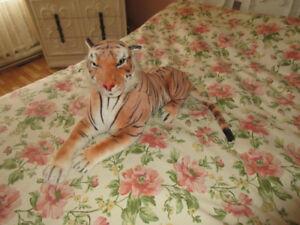 À vendre tigre en peluche