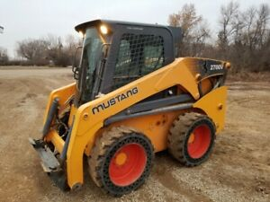 2012 Mustang 2700V Skidsteer & attachments for sale