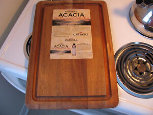 *NEUF* Planche a couper en ACACIA - *NEW* wood cutting board