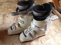 Womens ski boots