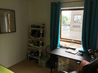 Spatious and bright single bedroom with Double Bed in Poplar