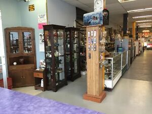 ROCKIN' RETRO ANTIQUE & COLLECTIBLES MALL OLDS