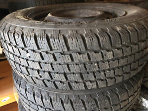 WINTER TIRES- 195/65R15 SET OF 4 TIRES WITH STEELS RIMS -90 %
