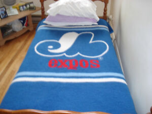 Douillette des Expos- Expos bed cover