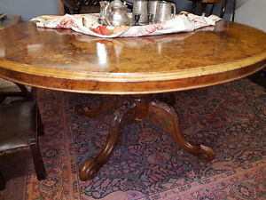 Antique Breakfast/Loo Table