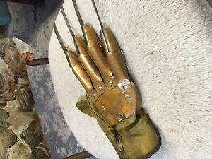 Nightmare On Elm Street Replica Collectable Glove