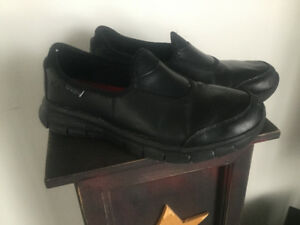 Reduced for quick sale!  Skechers Work Shoe Non skid
