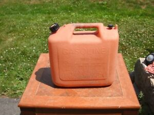 GAS CAN , JERRY CAN